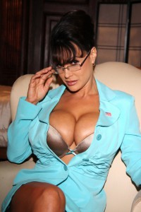 Lisa Ann Vs Nikki Benz